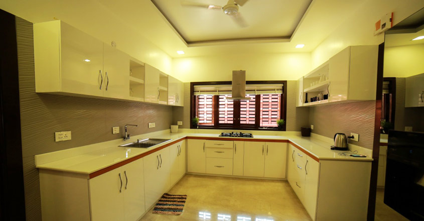 box-house-kannur-kitchen