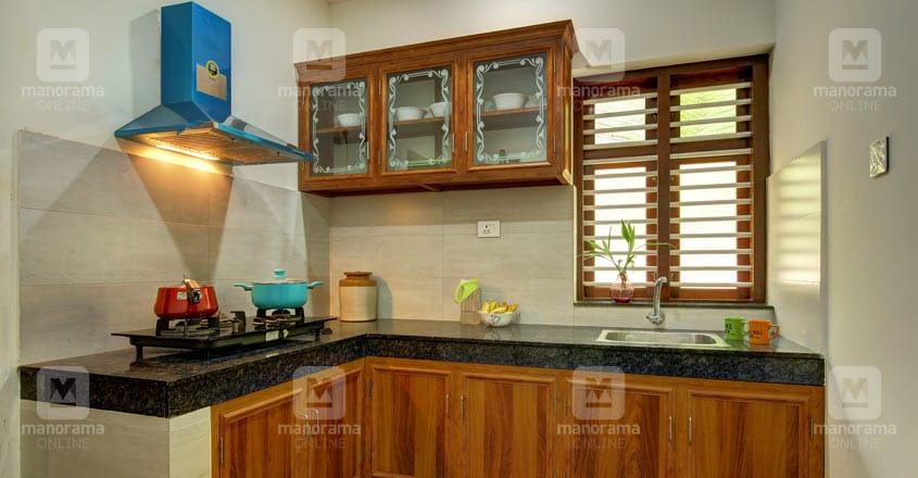 traditional-home-thikkodi-kitchen