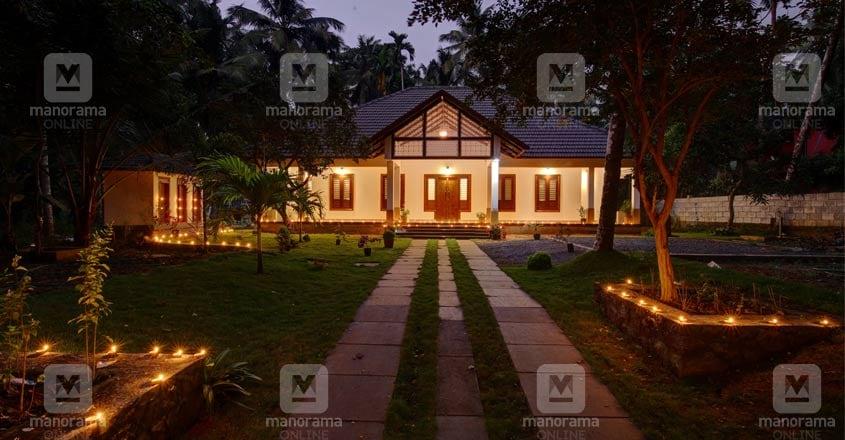 traditional-home-thikkodi-night