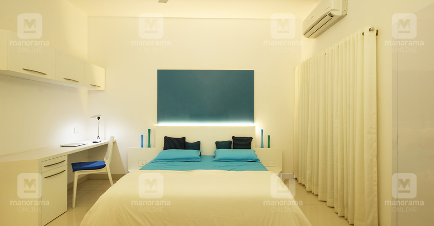 white-house-guruvayur-bed