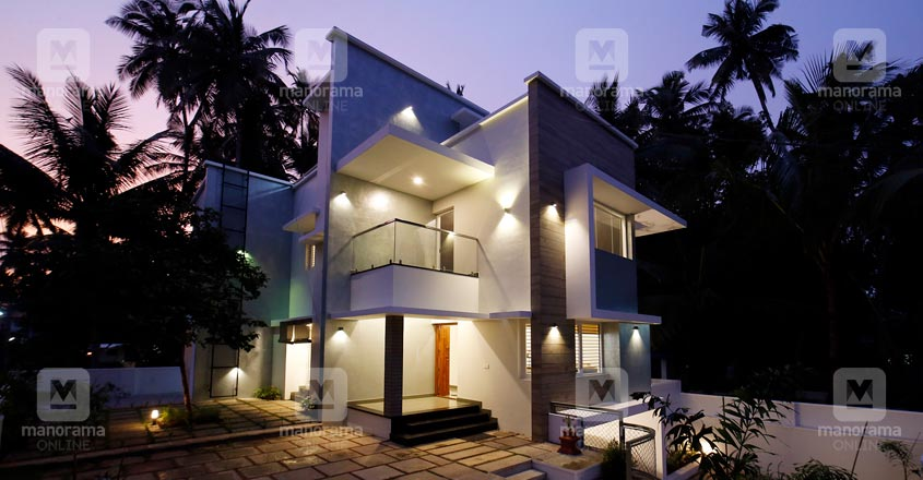 6-cent-home-calicut-exterior-night