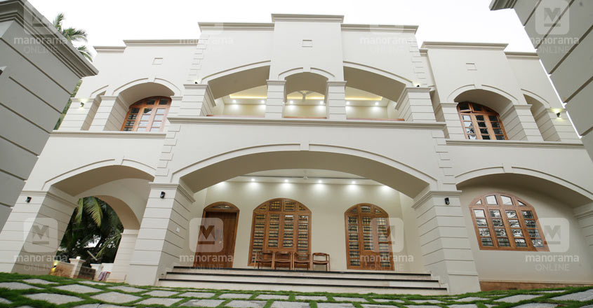colonial-house-kuttichira-elevation