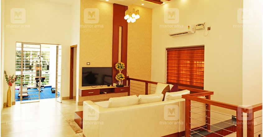 nri-house-changanacheri-living