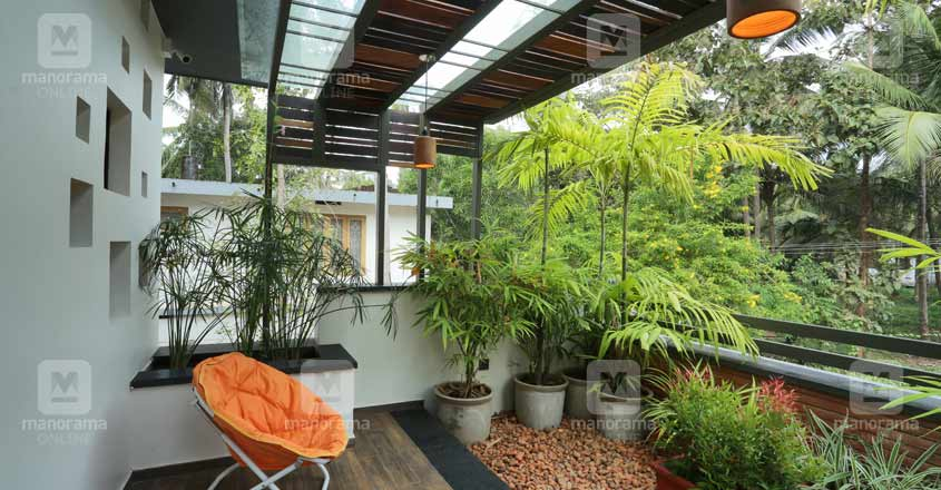 doctors-home-calicut-patio