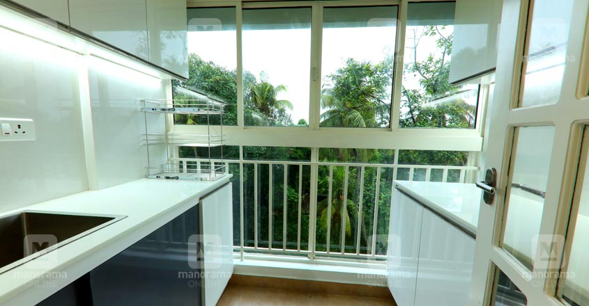 space-efficient-flat-kochi-balcony