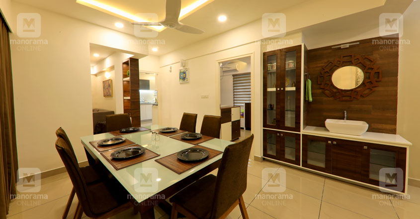 space-efficient-flat-kochi-dine