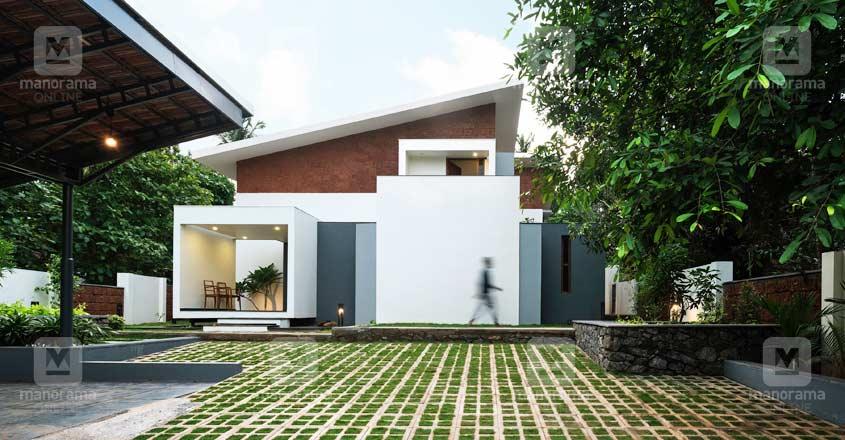unique-doctor-house-malappuram-view