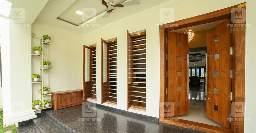simple-house-thrissur-porch