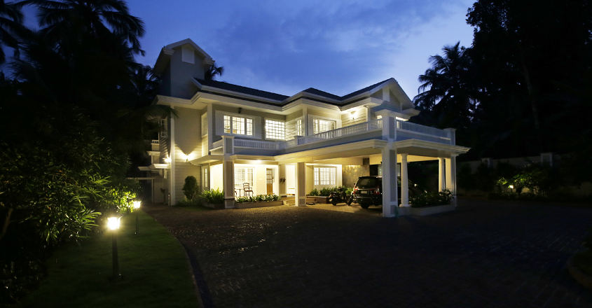 colonial-house-koduvally-nightview