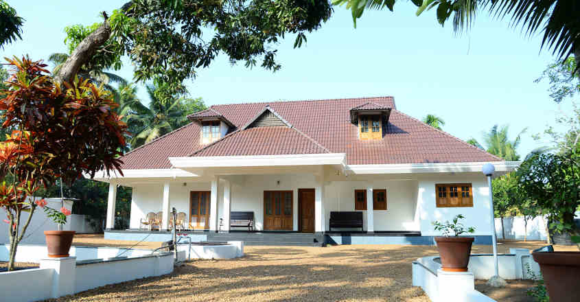 traditional-house-karapuzha-view