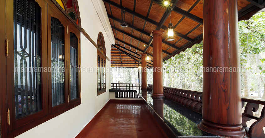 traditional-renovation-veranda