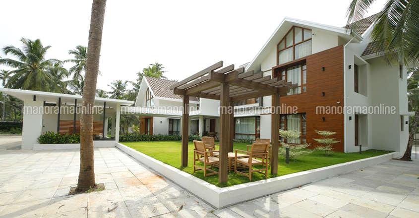 luxury-home-tirur-gaseebo