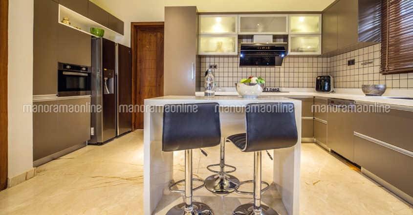 luxury-home-tirur-kitchen