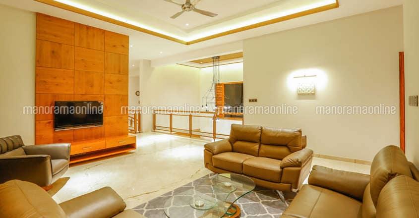 luxury-home-tirur-living