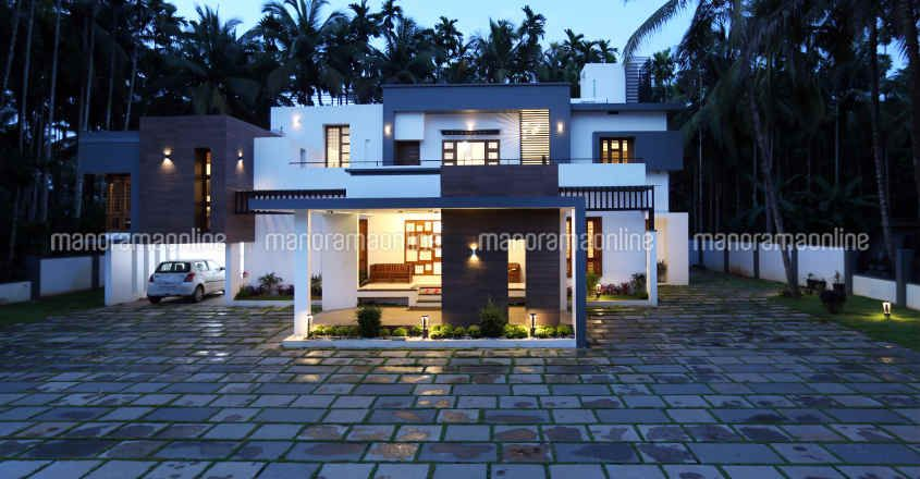 luxury-home-lawn