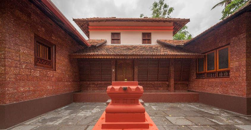 traditional-house-kasargod-nadumuttam