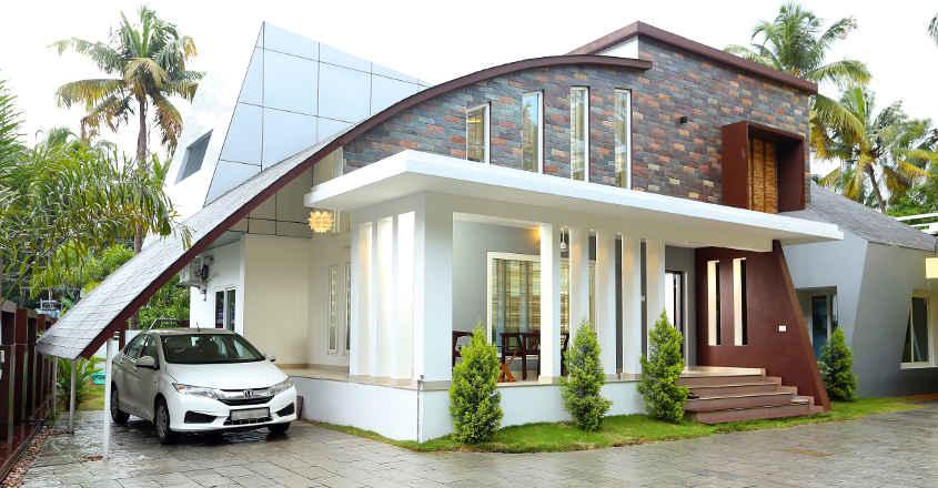 josna-rafael-home-yard