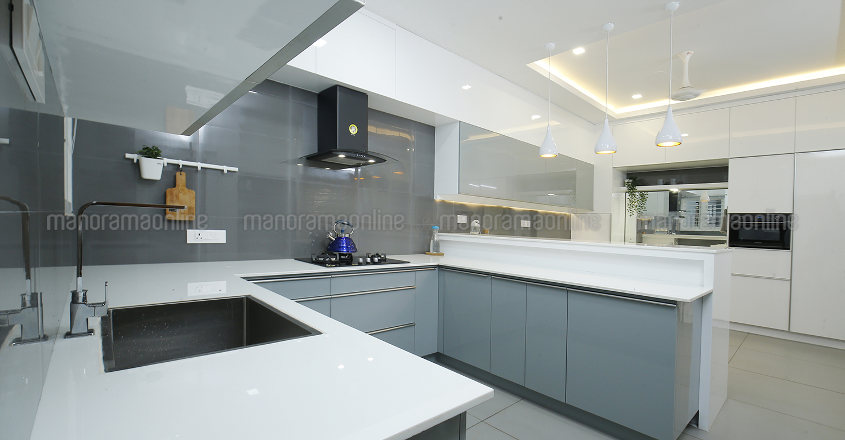 luxury-home-malapuram-kitchen