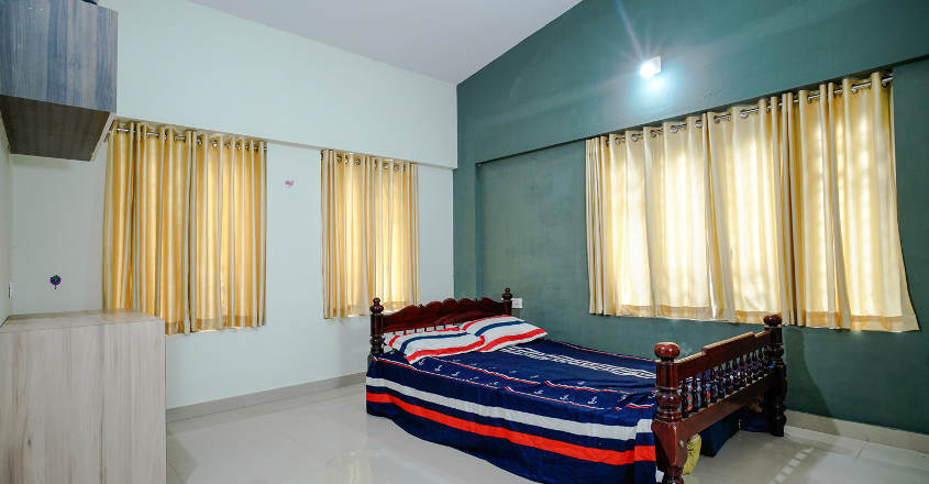 renovated-home-valanchery-bed