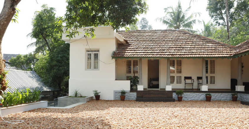 150-year-old-house-adoor-elevation