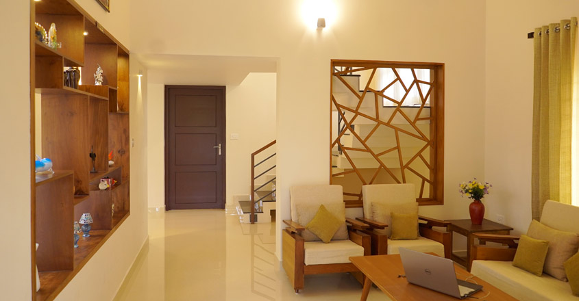 minimal-house-kollam-living