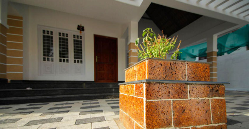 7-cent-home-kottayam-thulasithara