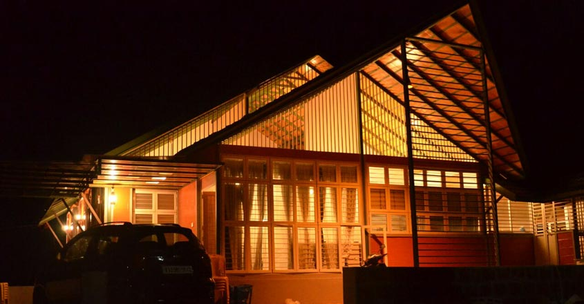 vajid-house-night