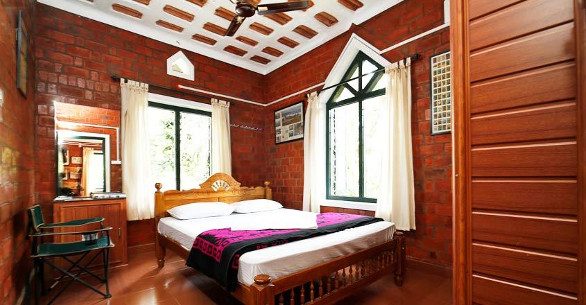 homestay-noolpuzha-wayanad-bed
