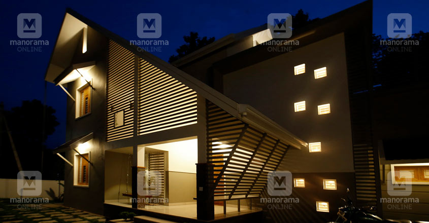 middle-class-house-manjeri-night