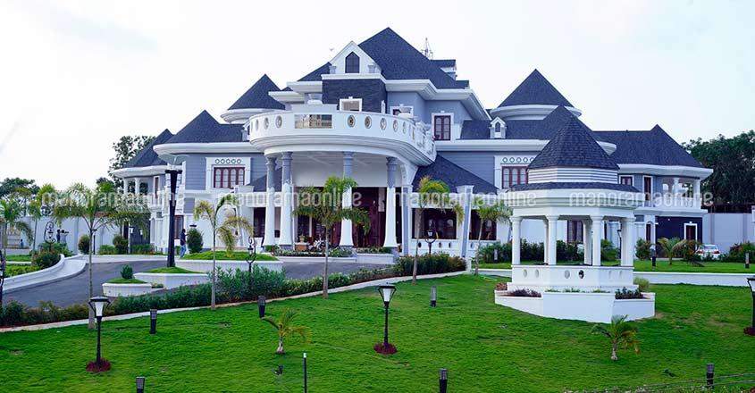 wayanad-ultra-luxury-home-exterior