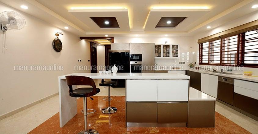 wayanad-ultra-luxury-home-kitchen