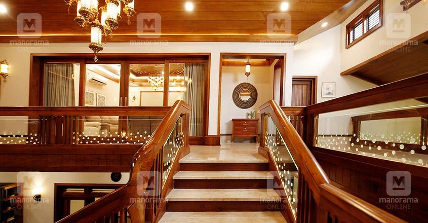 luxury-house-kuttiadi-stair
