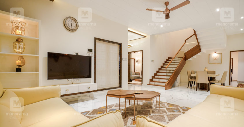 renovated-house-koduvalli-hall