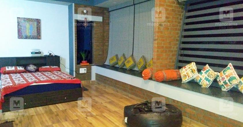 12-lakh-stilt-house-bed