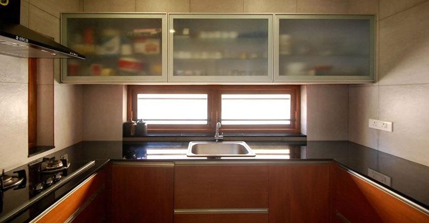 4-cent-house-kunnamkulam-kitchen