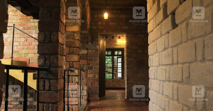 eco-friendly-house-trivandrum-wall