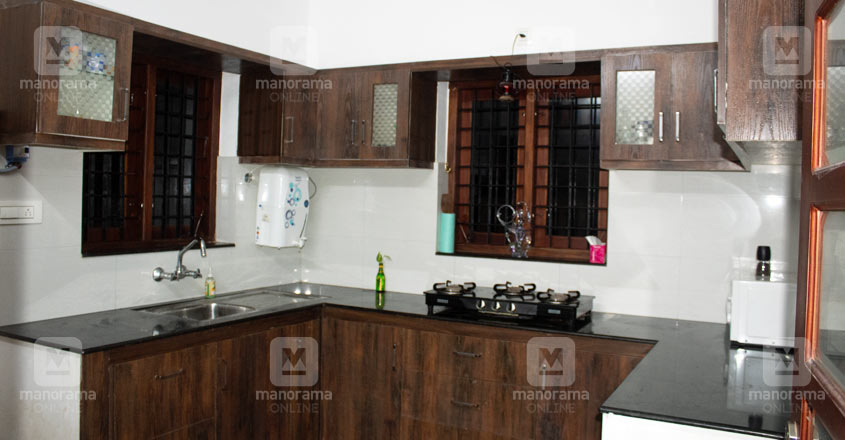 29-lakh-house-angamaly-kitchen