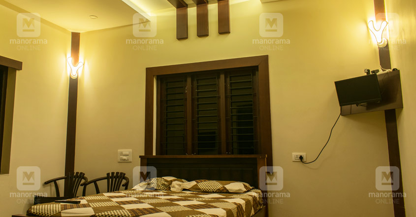 small-plot-big-house-angamaly-bed