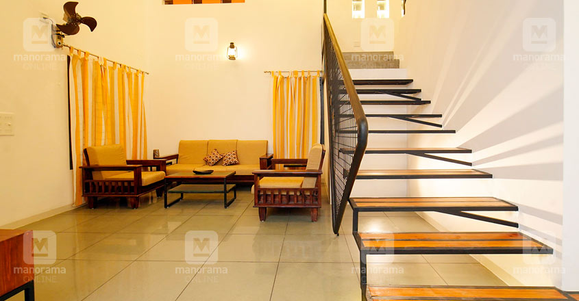 architect-own-house-thrissur-stair