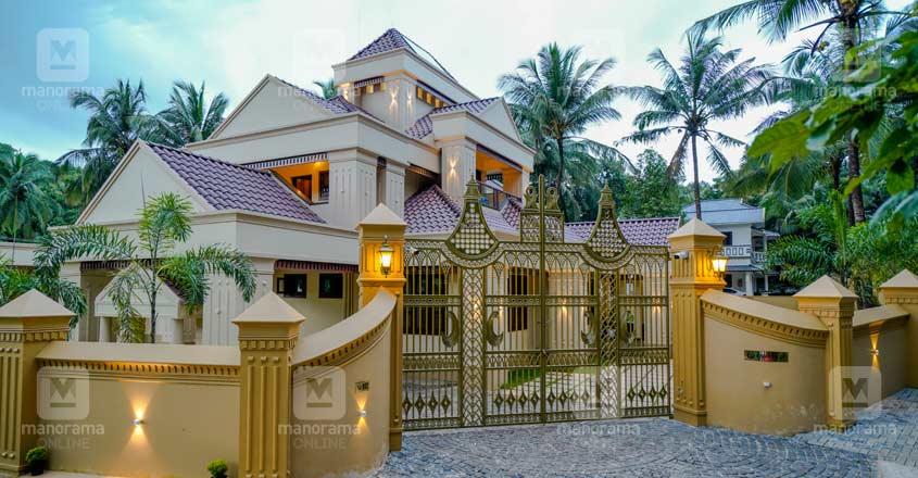 colonial-house-malappuram-gate
