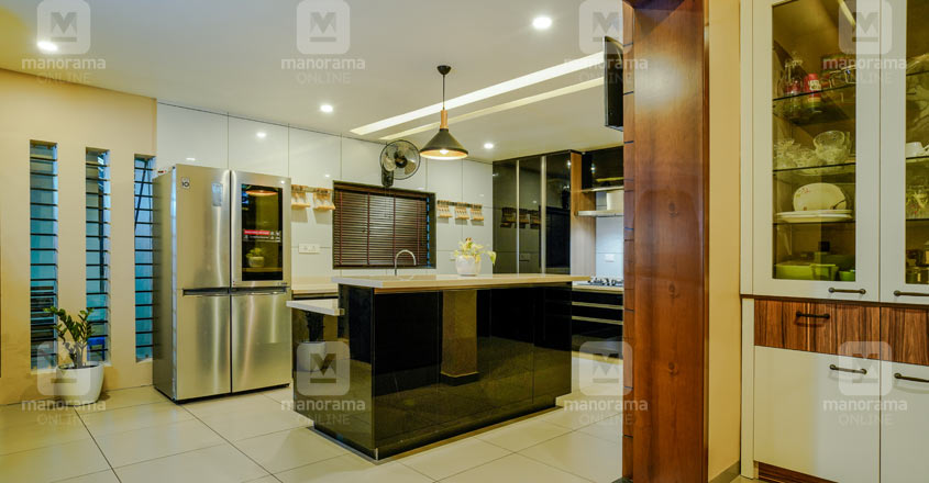 colonial-house-malappuram-kitchen