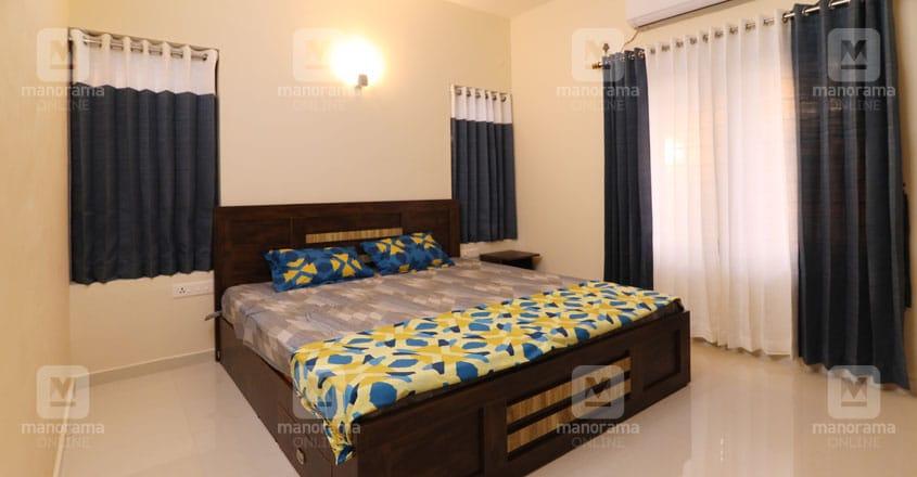 minimal-cute-house-adoor-bed