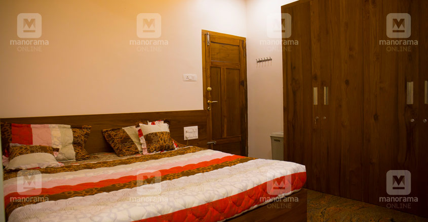 pravasi-house-manjeri-bed
