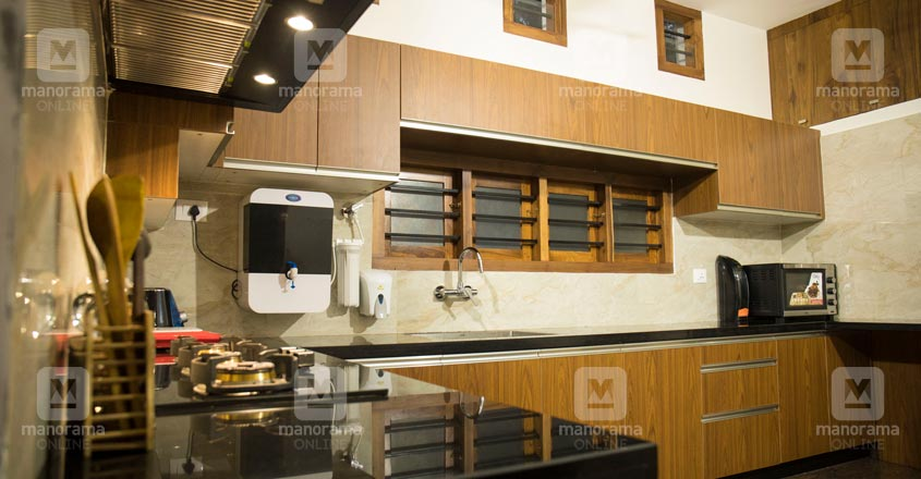pravasi-house-manjeri-kitchen