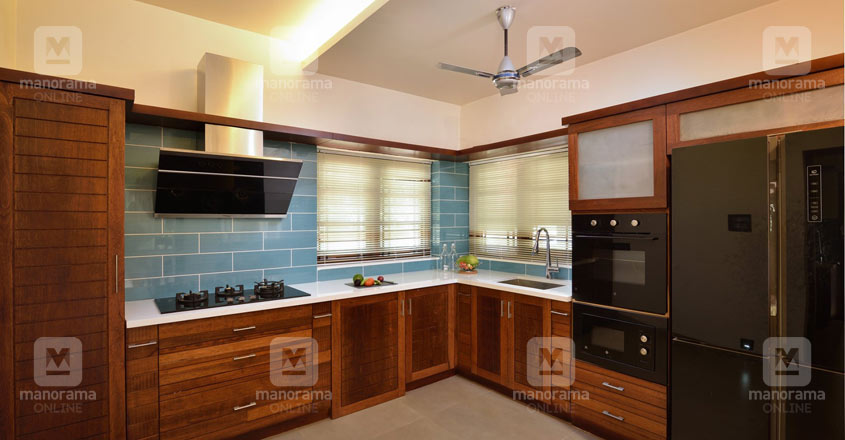luxury-home-changanaseri-kitchen