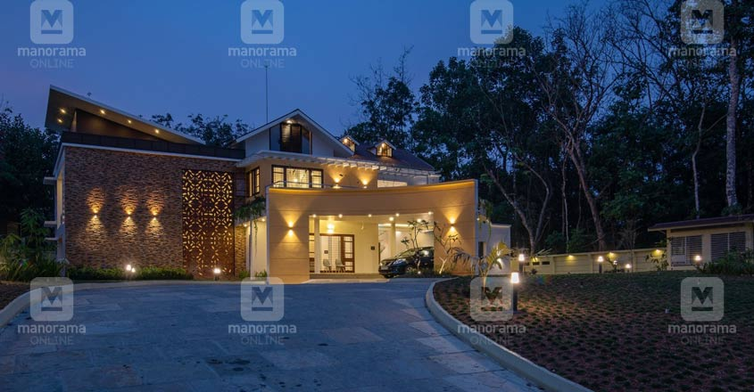luxury-home-changanaseri-yard
