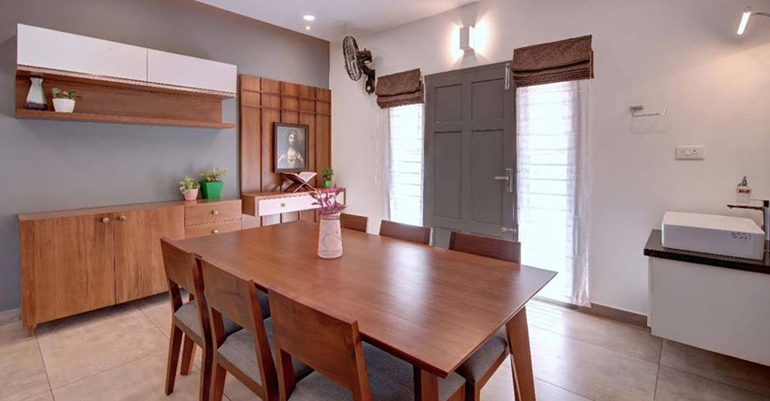 small-plot-house-changanacheri-dining