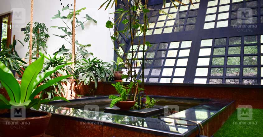 tropical-house-kannur-courtyard