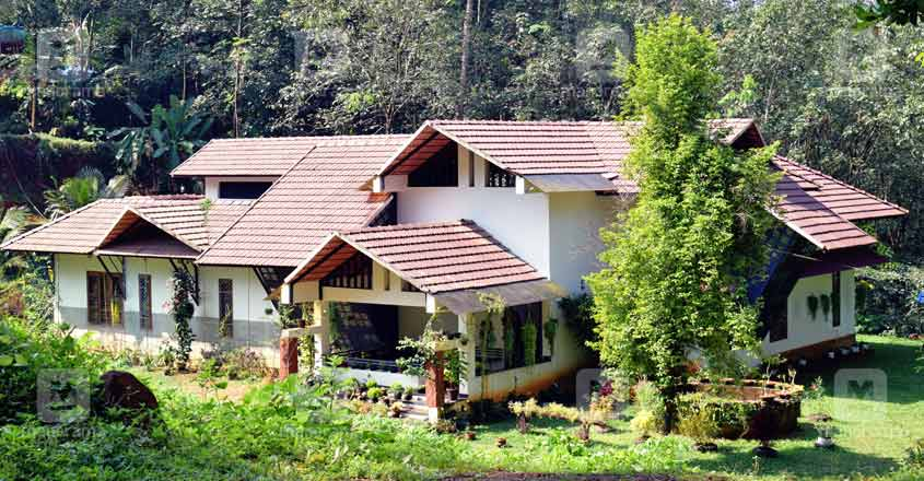 tropical-house-kannur-exterior