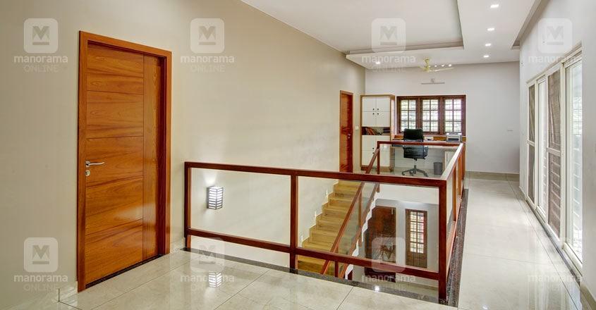 small-plot-house-tripunitura-upper